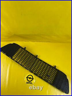 New + Original GM /Opel Astra H OPC Radiator Grill Lower IN Bumper Grille